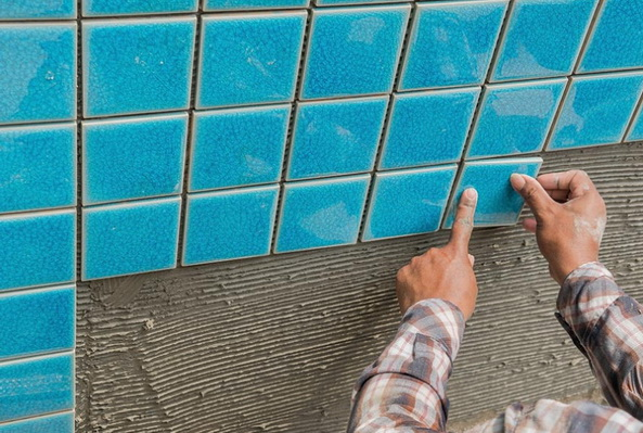 обкладка поверхности плитками